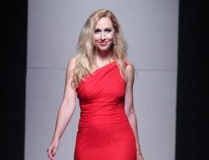 Jeannette Kaplun modela en Funkshion Fashion Week - Red Dress Fashion Show