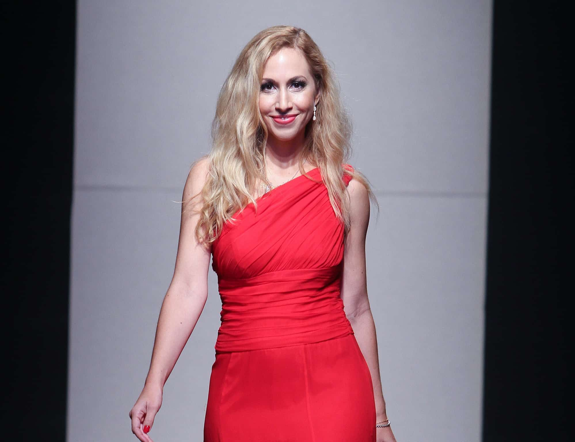 Jeannette Kaplun modela en Funkshion Fashion Week - Red Dress Fashion Show
