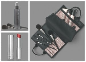 Brochas y labial Mary Kay