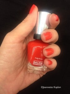 Esmalte de uñas All Fired Up de Sally hansen