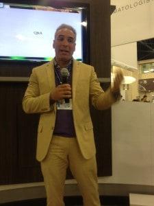 Dermatólogo doctor Francisco Flores