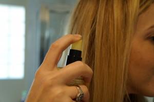 Los aceites para el pelo combaten el frizz o pelo esponjado