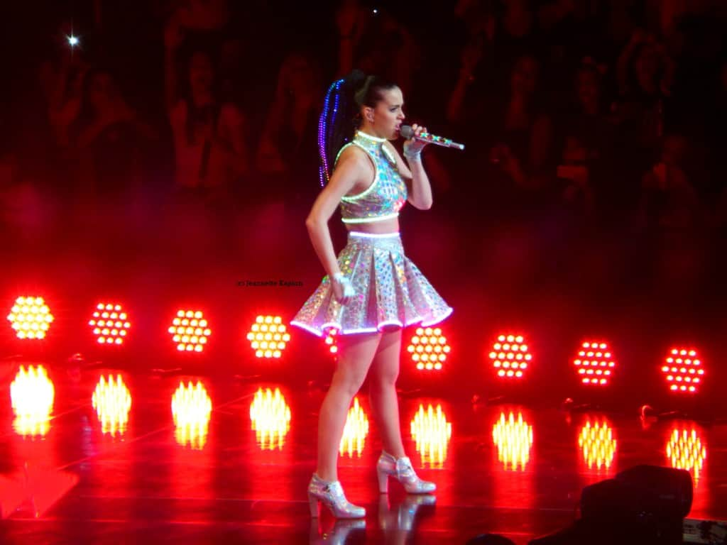 Katy Perry in concert by Jeannette Kaplun