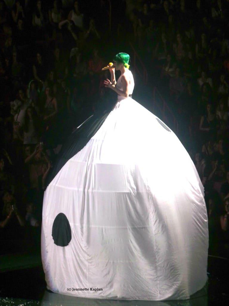 Katy Perry ying yang dress