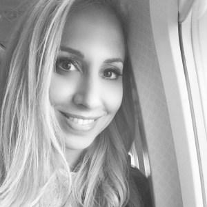 Jeannette Kaplun viajando en avión