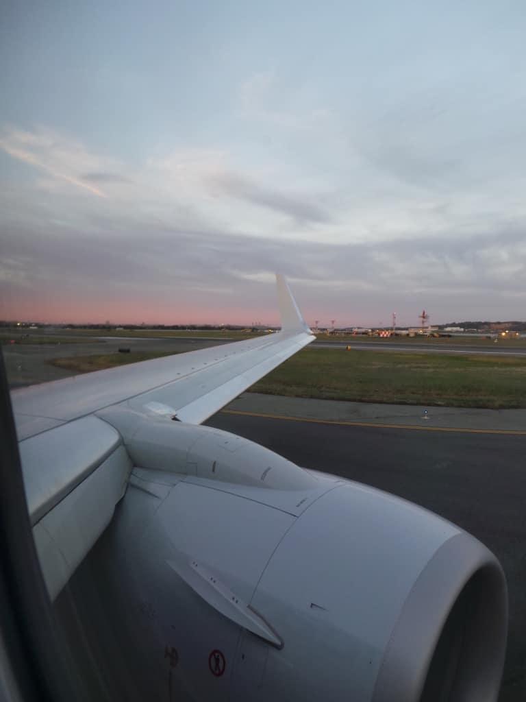Viajar puede ser costoso pero vale la pena, especialmente si visitarás a tu familia