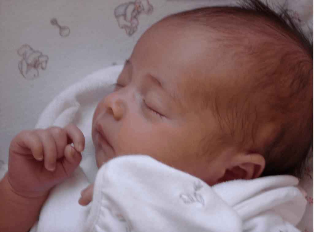 Bebé recién nacida