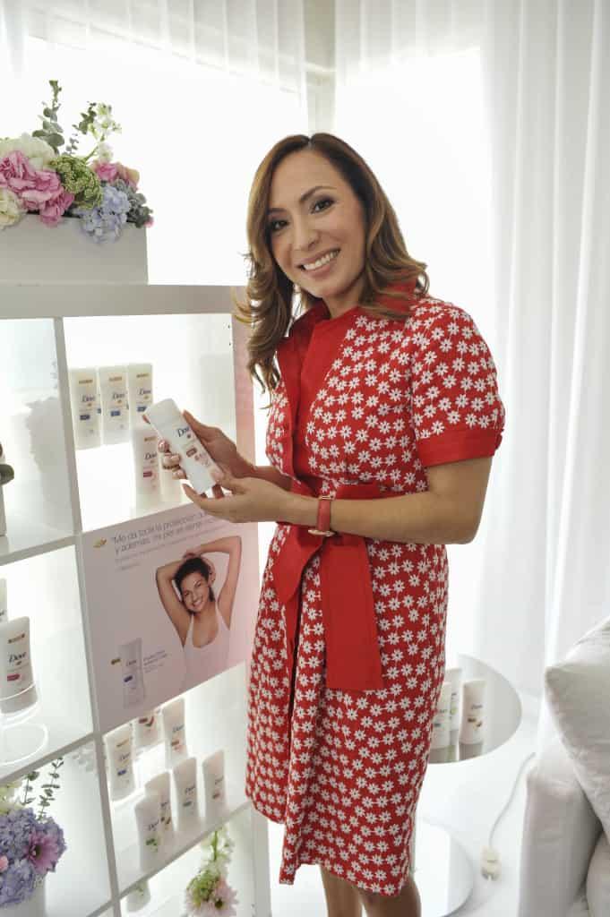 Doctora Alicia Barba enseña cuidado de la piel