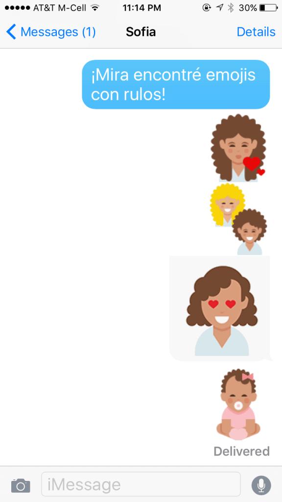 Texto con emoticonos de pelo rizado y rulos