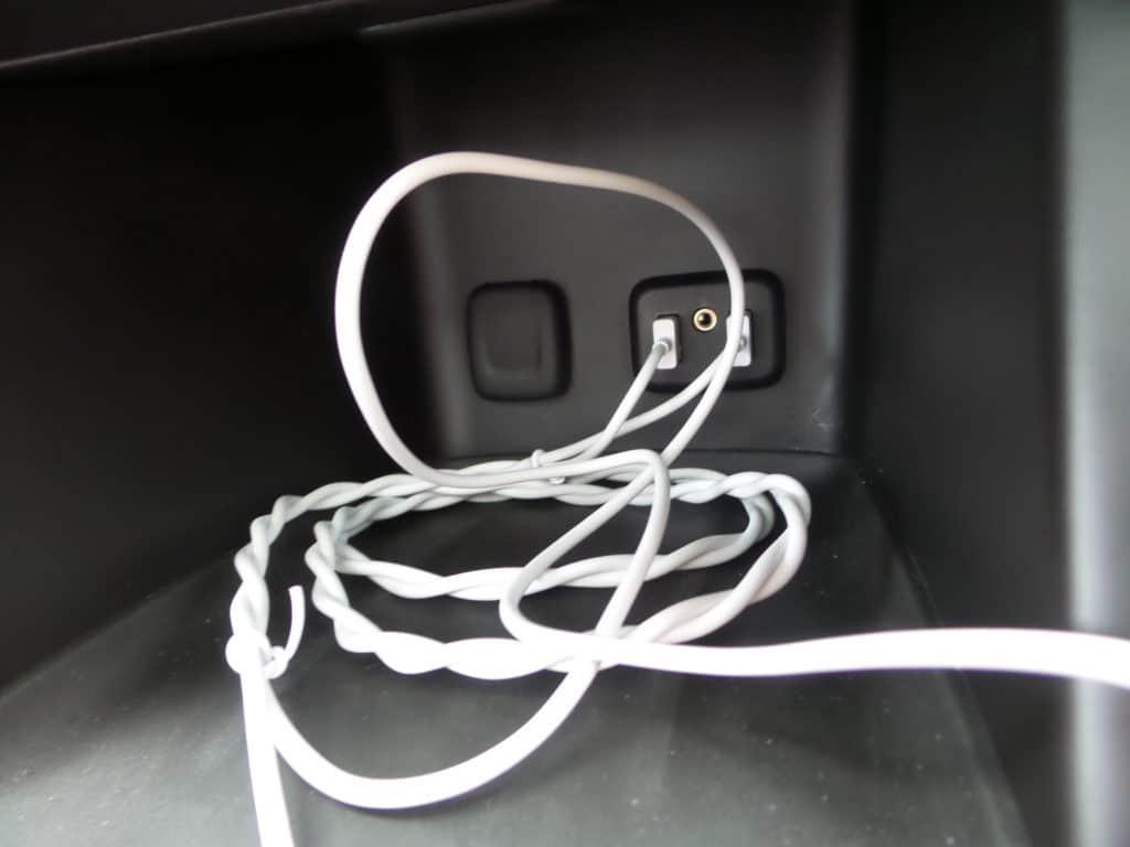 La tecnología del GMC Acadia incluye 5 puertos USB