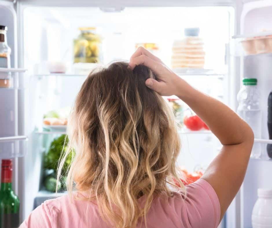 Si no sabes cómo organizar mejor tu refrigeradora, no te desesperes. Con los consejos de nuestra experta tu nevera lucirá mejor que nunca.