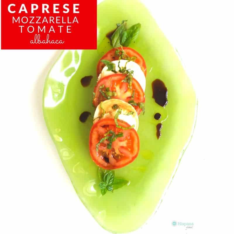 Ensalada caprese con mozzarella y tomate