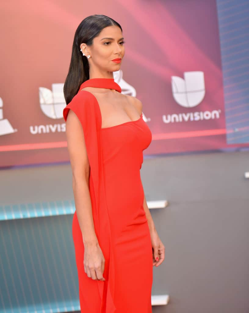 Roselyn Sanchez en Latin Grammy Awards - Red Carpet