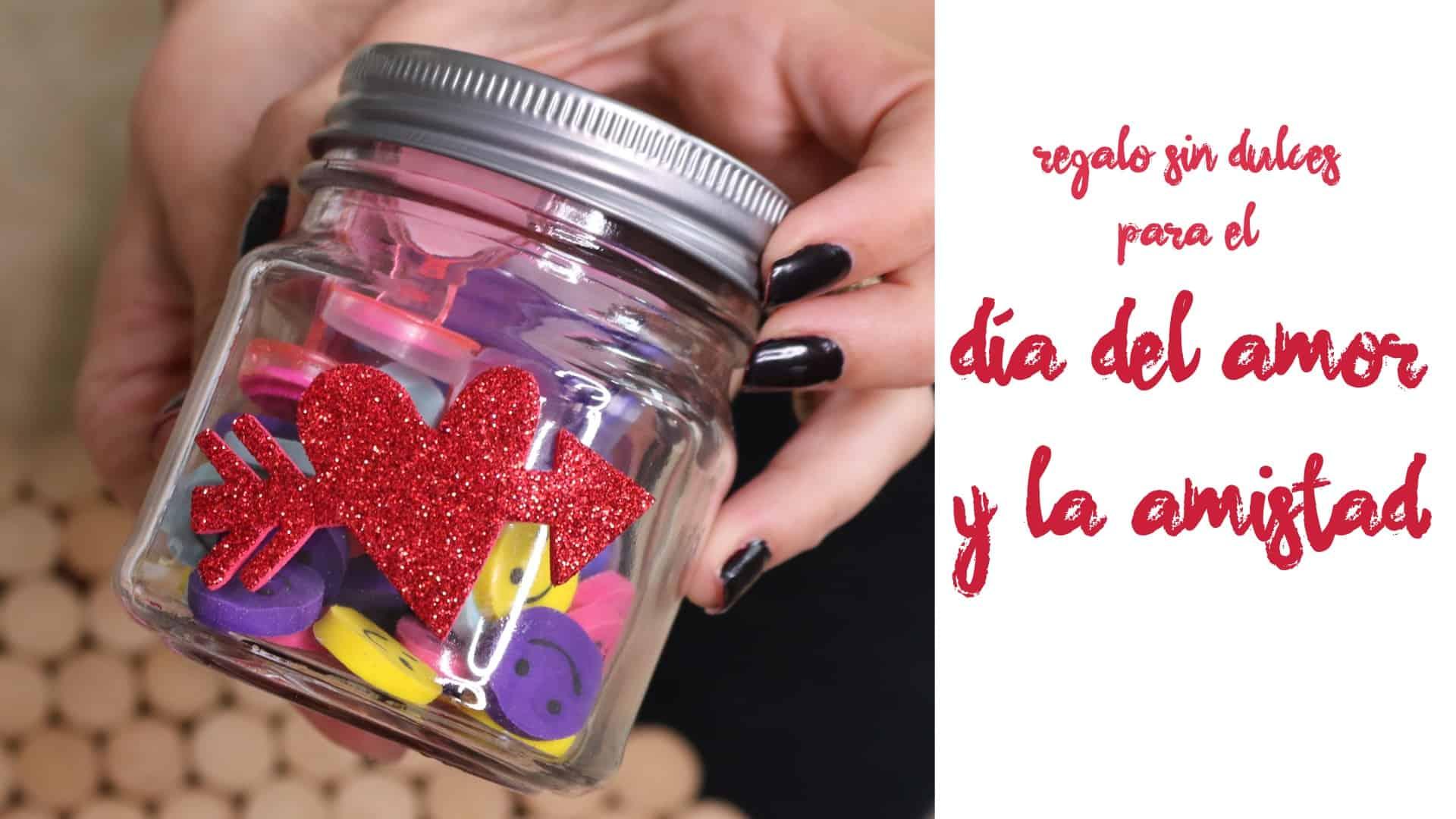 Cómo hacer un regalo para niños de San Valentín sin dulces