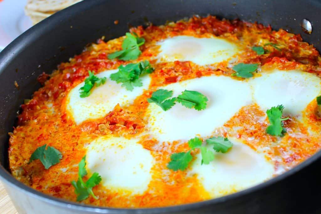 Huevos a la cazuela, recetas mes de la hispanidad