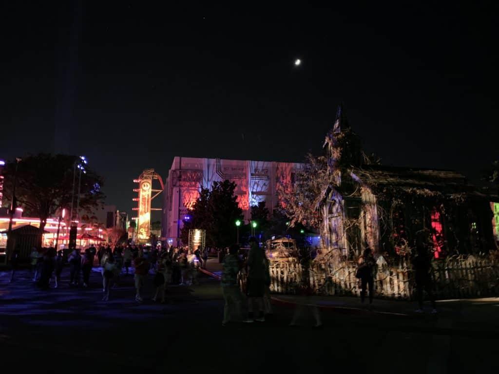 Estos 10 consejos te ayudarán mucho si planeas asistir a Halloween Horror Nights en el parque Universal Orlando Resort.