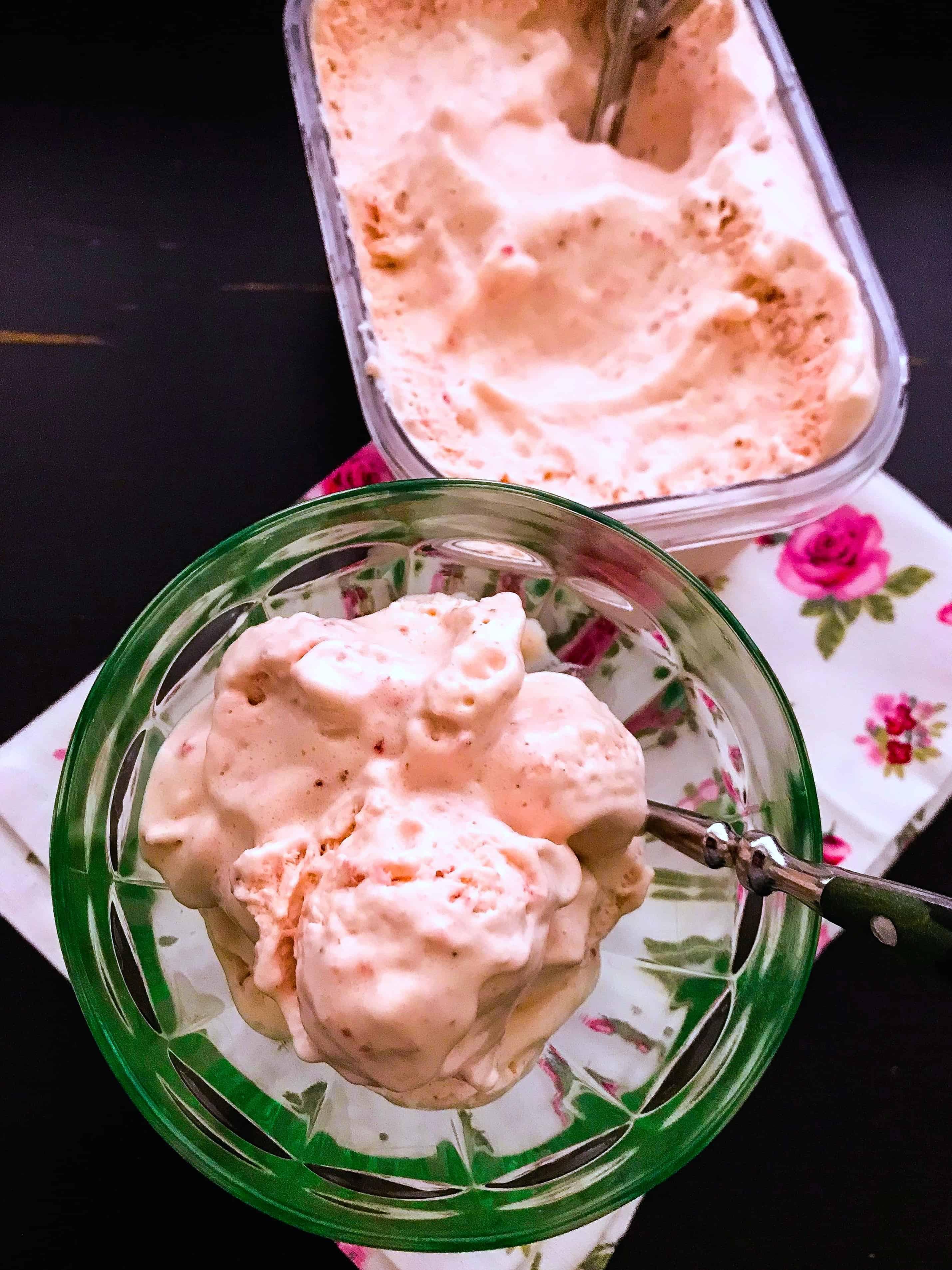 Receta de helado de fresas con solo 3 ingredientes