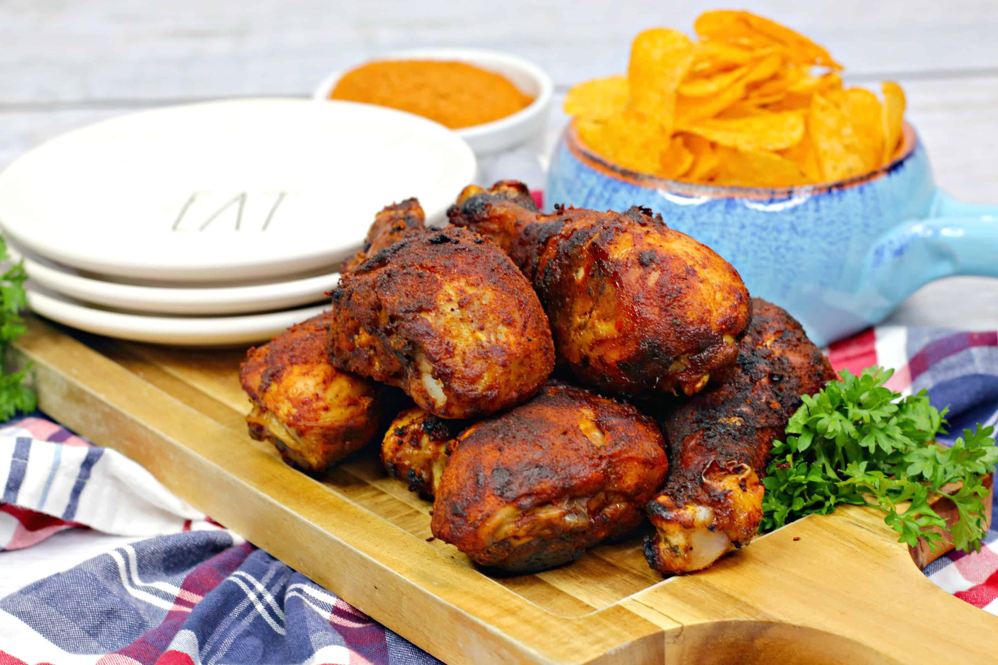 El pollo a la barbacoa al estilo sureño de Memphis (o Memphis Barbeque Chicken) es delicioso y tenemos la receta paso a paso para ti.