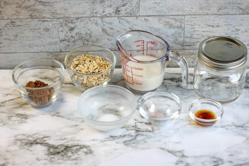 Ingredientes de receta de avena con sabor a brownie