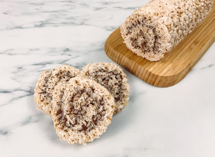 Postre sin gluten: rollo de Rice Krispies con chocolate