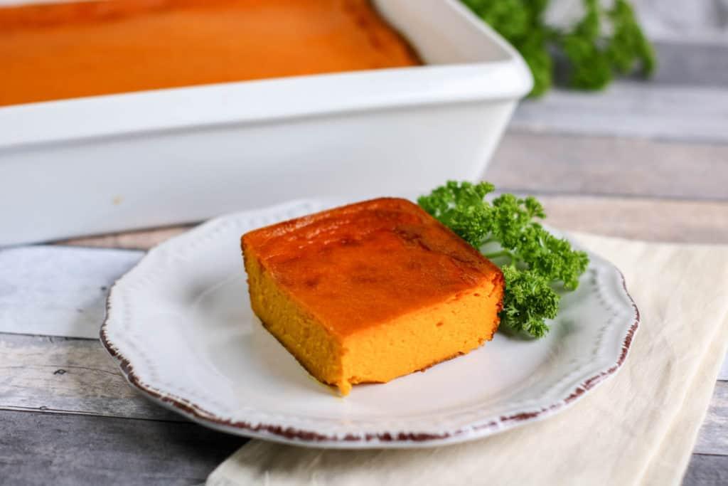 Aprende cómo preparar un delicioso soufflé de zanahorias en pocos minutos. ¡Prueba esta receta vegetariana que es riquísima!