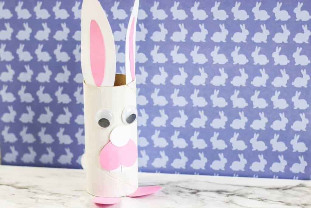 Cómo hacer un conejo con un rollo de papel higiénico