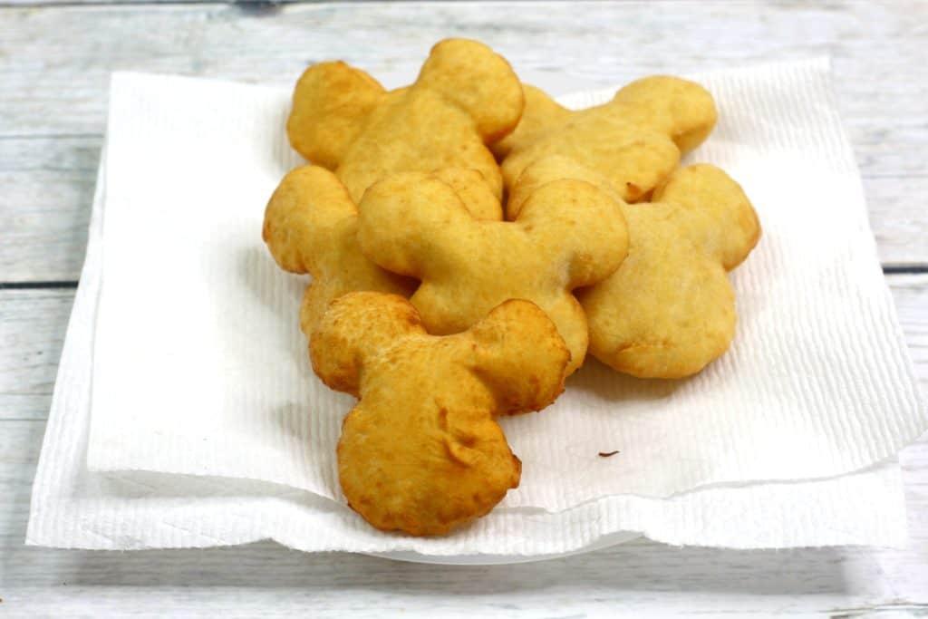 Cómo hacer rosquillas caseras de Mickey Mouse