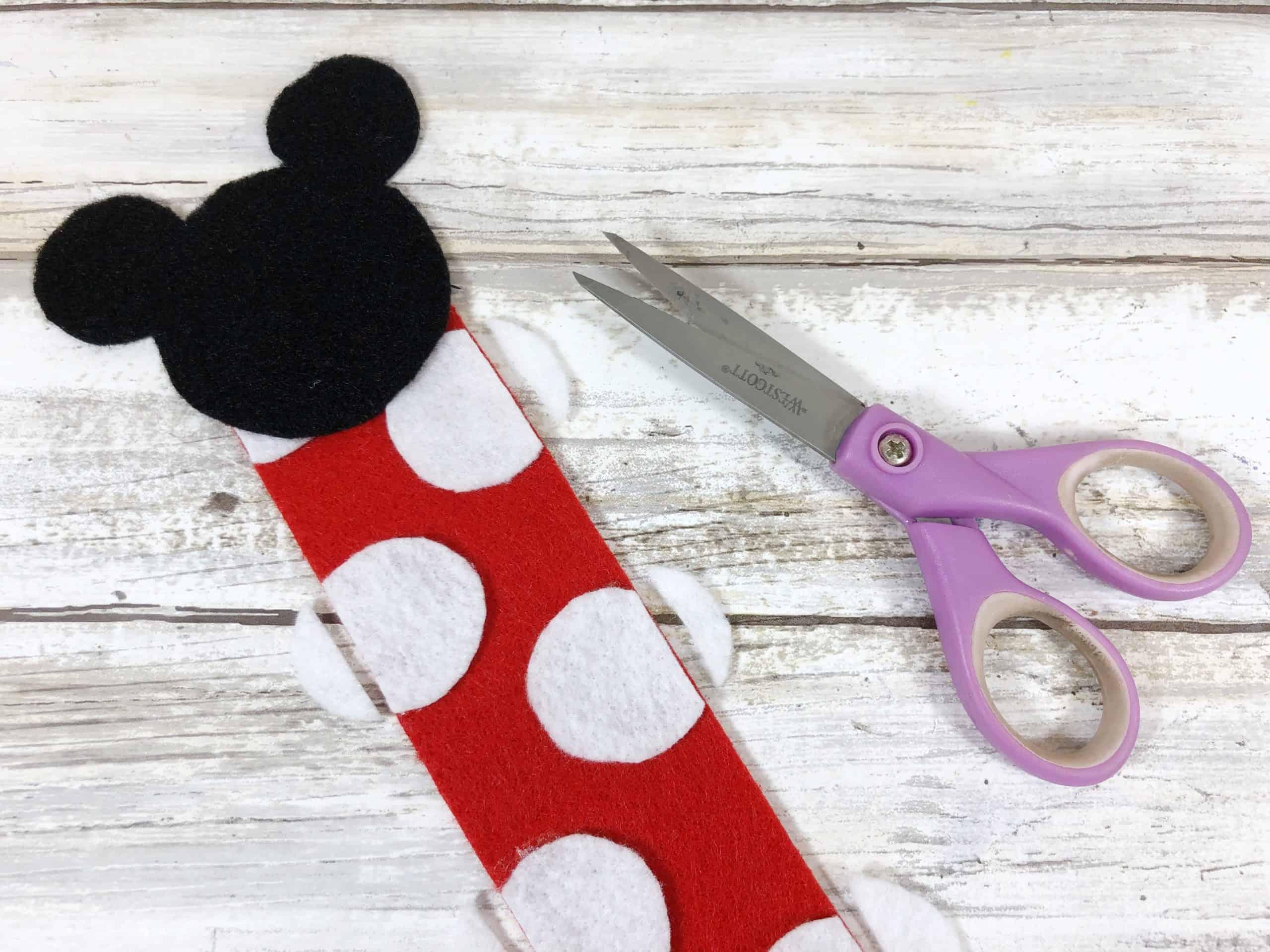 Como hacer un marcador de libros de Minnie Mouse