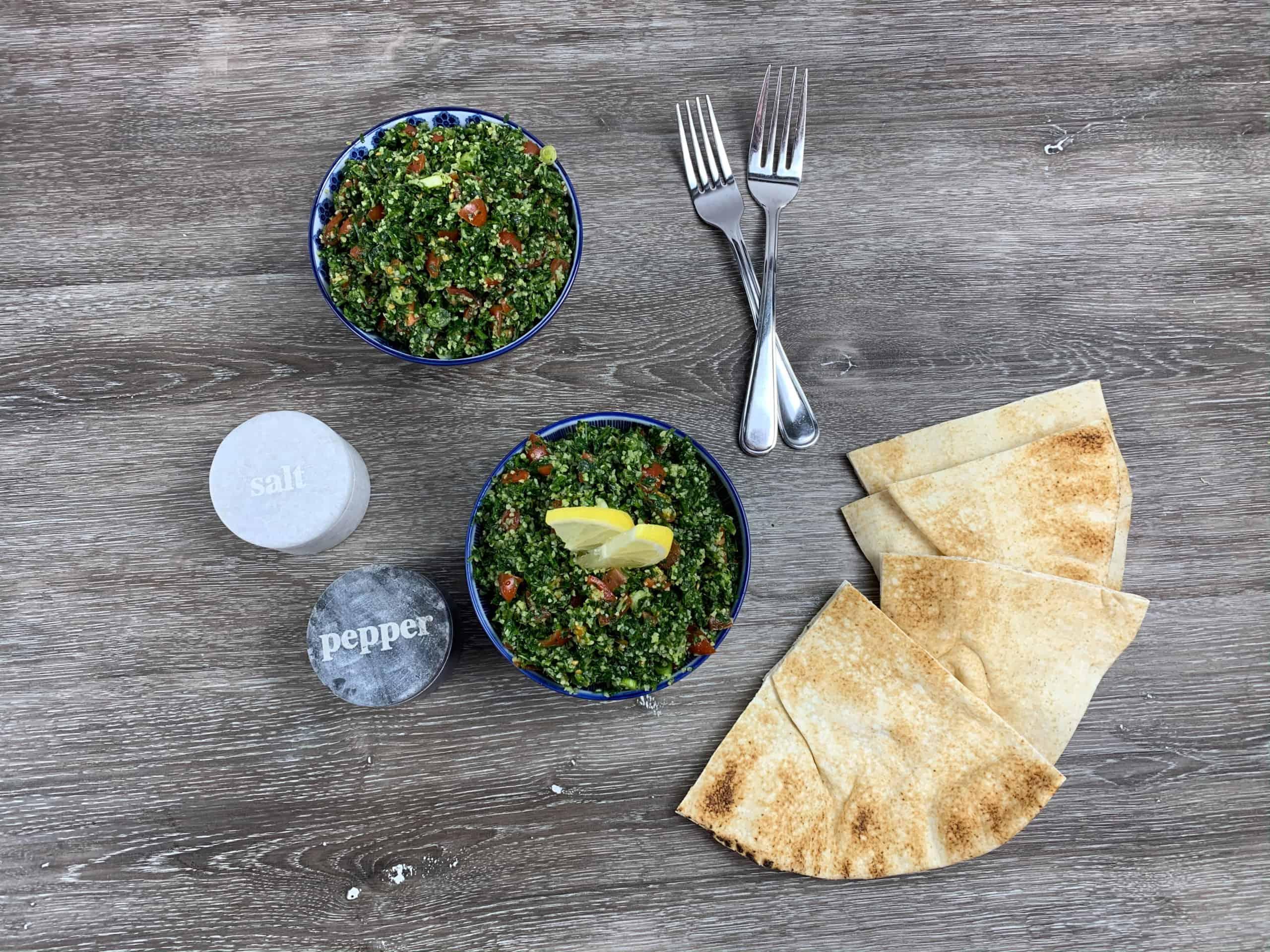 Esta exquisita receta de tabulé o tabbouleh es fácil de preparar y es ideal para acompañar con pan pita.