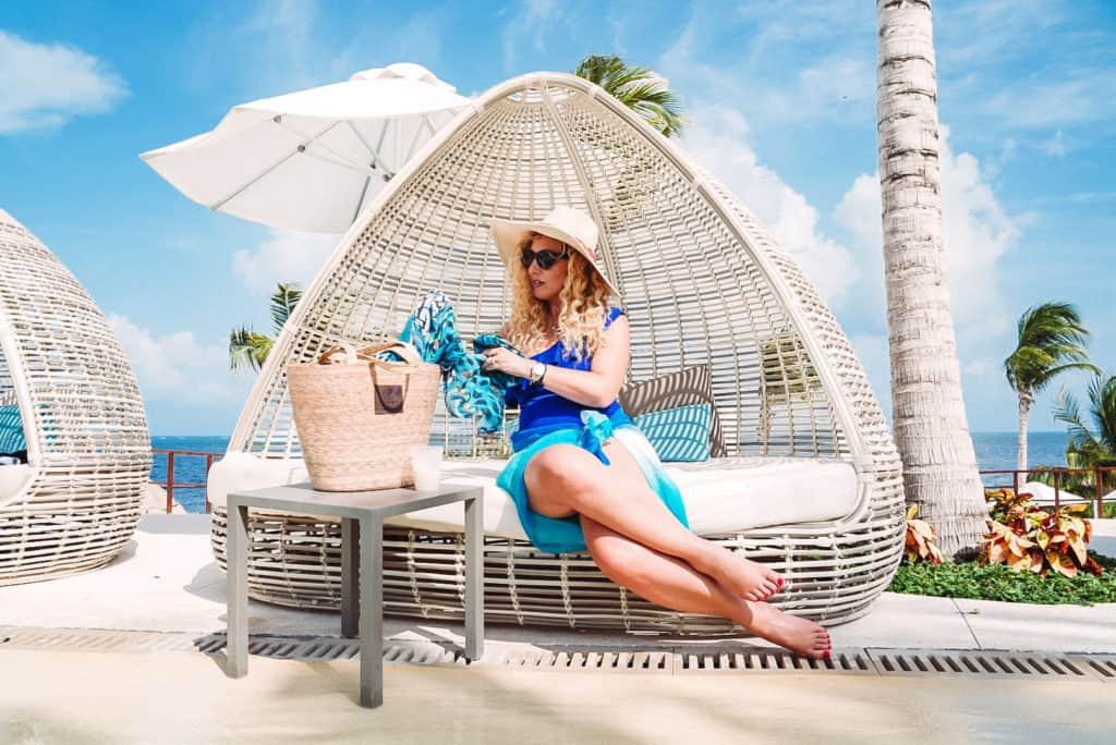 Aprende cómo cuidar tu piel en el verano, especialmente si haces deportes, irás a la playa o estarás en una piscina. ¡Tu salud y tu cutis te lo agradecerán!