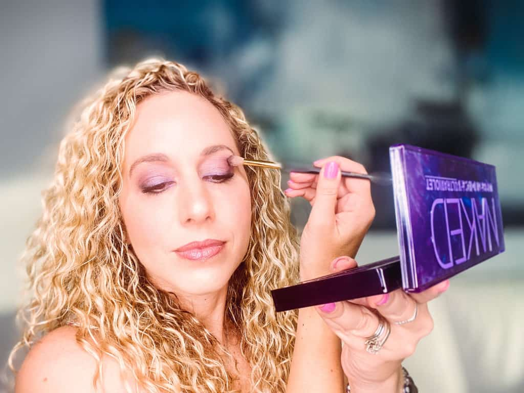 Maquillaje de ojos usando Urban Decay Naked Ultraviolet palette