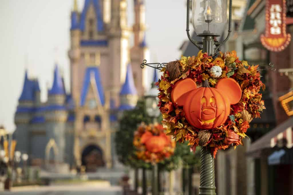 Entérate de todo lo que puedes disfrutar este otoño y Halloween en Disney World, especialmente en Magic Kingdom.