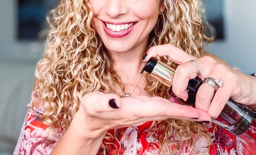Si tienes el cabello reseco, débil o maltratado, averigua cuáles productos te pueden ayudar a fortalecer tu pelo.