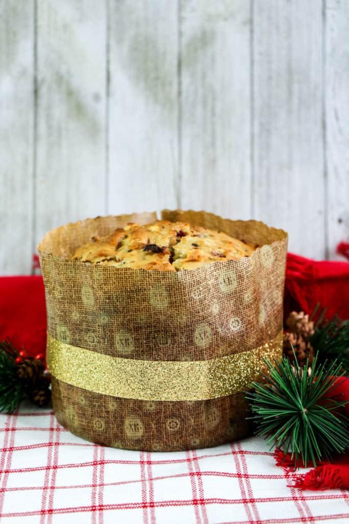Aprende a preparar pan de pascua o panettone de Navidad con esta exquisita receta. ¡Es un bello regalo que puedes hacer en casa!